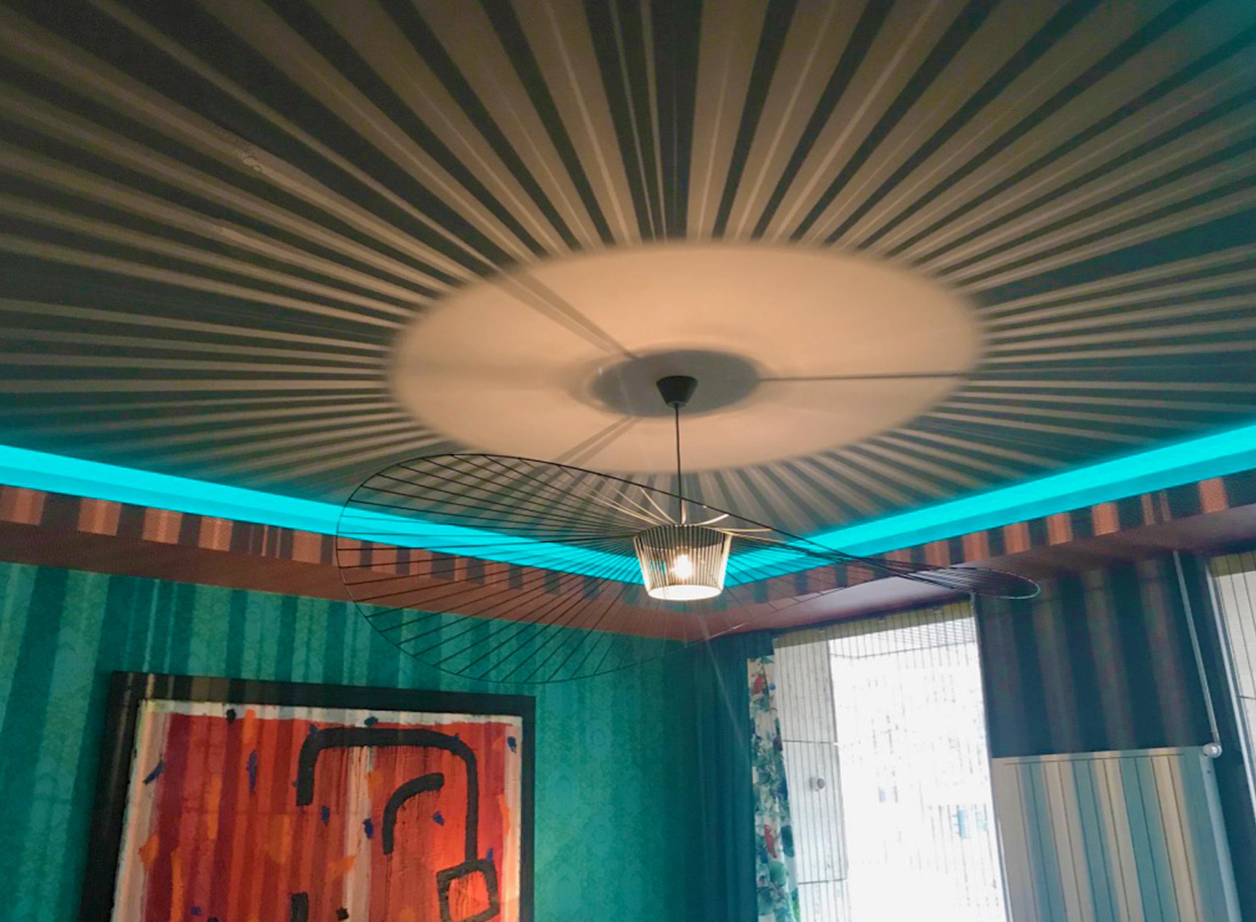 Suspension design avec lampe et Ruban LED