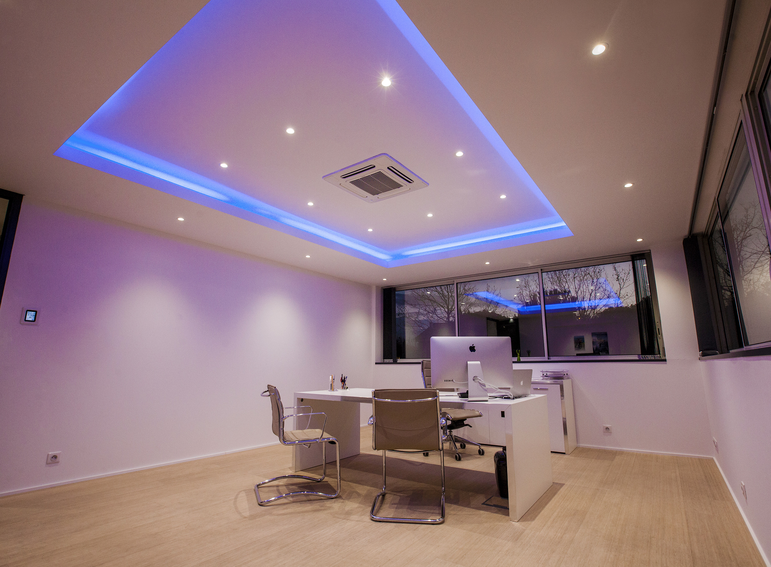 Éclairage de bureau avec Ruban LED
