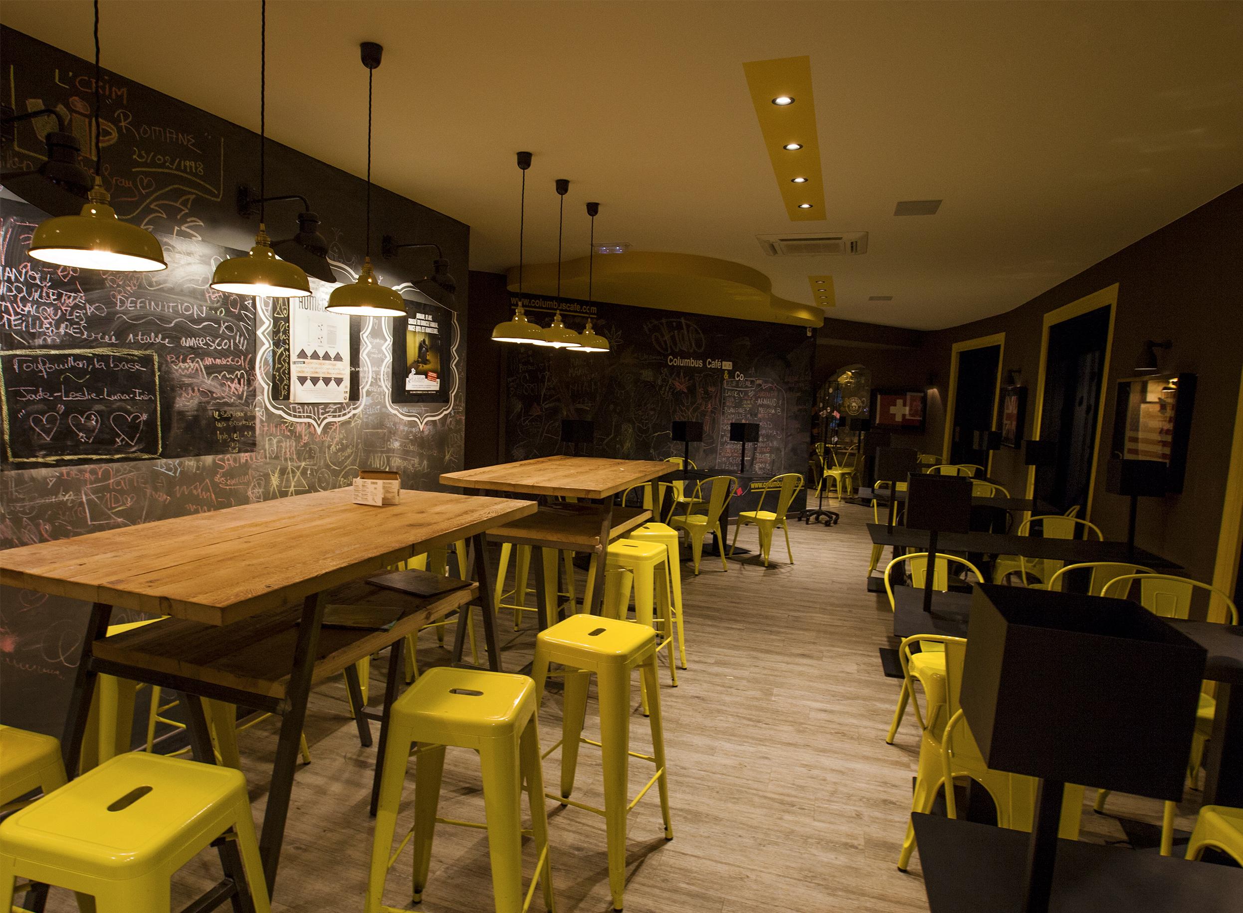 Éclairage tamisé pour Colombus Café