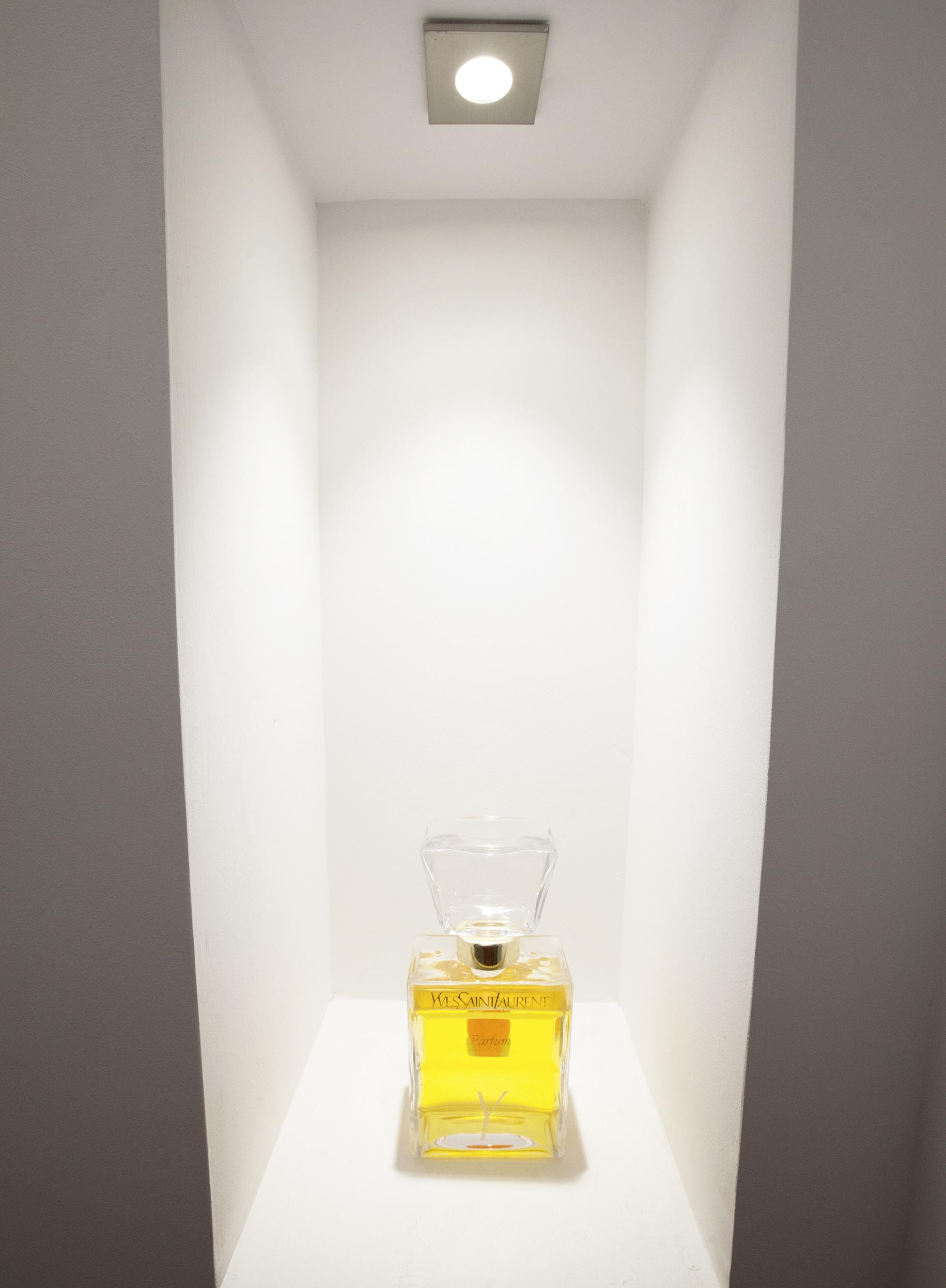 Mise en valeur d'un produit en parfumerie